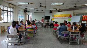 108年8月22日高市府家防中心長官和家族老師蒞臨東林社區訪視