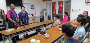 台中市東區合作社區發展協會在歌唱班宣導防暴觀念
