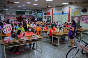 向陽社區母親節慶祝晚會-李宜凌宣講師宣導